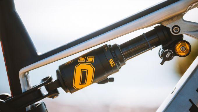 Ducati e-MTB 2021: forcella centrale della TK-01RR