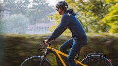 Ducati E-Scrambler: vista laterale dinamica