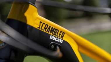 Ducati eScrambler: elegante la colorazione gialla e nera