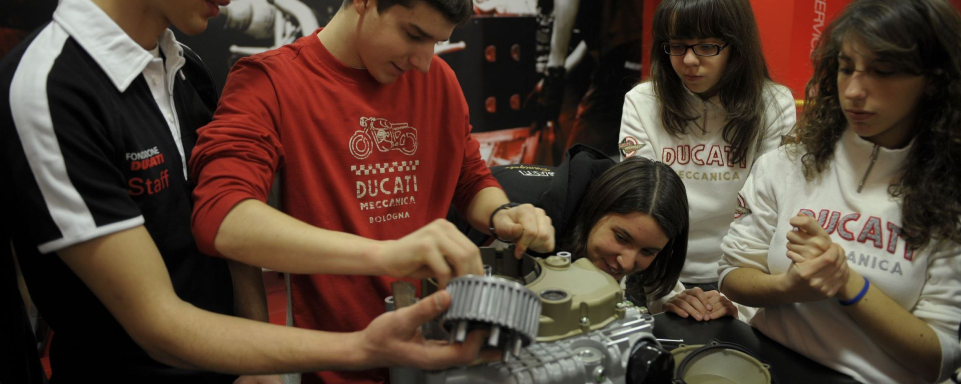 Ducati Fisica in moto: continua la formazione con i giovani