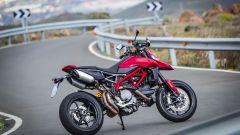 Ducati Hypermotard 950 2019: gli scarichi tornano sotto alla sella