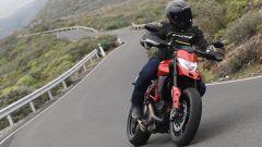 Ducati Hypermotard 950 2019: in azione su strada