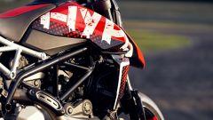Ducati Hypermotard 950 RVE: il contrasto nero-rosso è il pezzo forte di questa versione