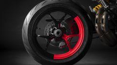 Ducati Hypermotard 950 RVE: particolare del cerchio posteriore