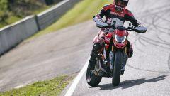 Ducati Hypermotard 950 SP: staccata al limite