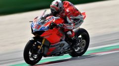 Ducati: la Panigale V4 R a Brands Hatch con Pirro - Immagine: 1