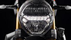 Ducati Monster 1200 S 2017, faro anteriore