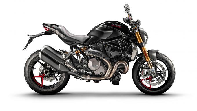 Ducati Monster 1200 S da fine mese in colore Black on Black