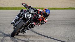 Ducati rivoluziona il Monster: addio traliccio, più tecnologia e motore Euro5 - Immagine: 13