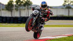 Ducati rivoluziona il Monster: addio traliccio, più tecnologia e motore Euro5 - Immagine: 15