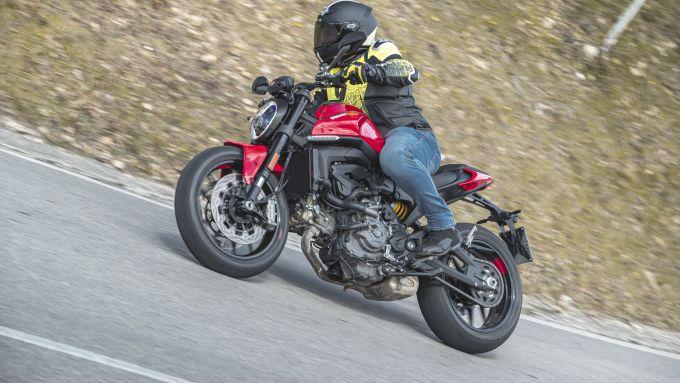 Ducati Monster 2021: promossa l'elettronica