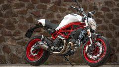 Ducati Monster 797 con scarico Termignoni