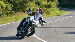Ducati Multistrada 950 S: la nuova livrea GP White è disponibile sia per la versione con cerchi in lega che per quella a raggi