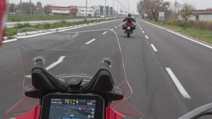 Ducati Multistrada V4: il radar cruise control