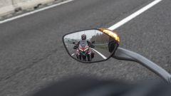 Ducati Multistrada V4: il sistema Blind Spot Detection avvisa il guidatore con i LED