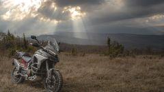 Ducati Multistrada V4: la versione grigia con cerchi a raggi