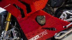 Ducati Panigale R Lego Technic in scala 1:1: particolari della carena laterale