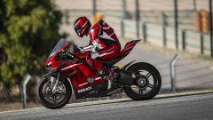 In pista con la Ducati Panigale Superleggera V4: il video - Immagine: 10