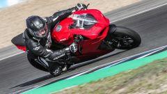 Ducati Panigale V2 2020: in azione alla curva 2 di Jerez