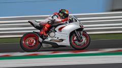 Ducati presenta la livrea White Rosso per la Panigale V2 - Immagine: 1
