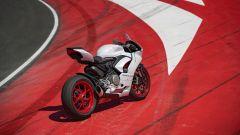 Ducati presenta la livrea White Rosso per la Panigale V2 - Immagine: 7