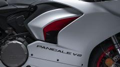 Ducati presenta la livrea White Rosso per la Panigale V2 - Immagine: 13