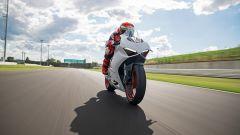 Ducati presenta la livrea White Rosso per la Panigale V2 - Immagine: 21