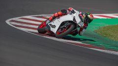 Ducati presenta la livrea White Rosso per la Panigale V2 - Immagine: 25