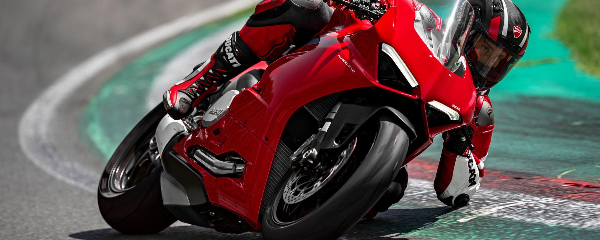 Ducati Panigale V2: la media che tutti vorremmo. Il video