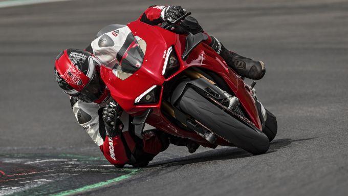 Ducati Panigale V4 2020, contenuti presi in prestito da Panigale V4 R