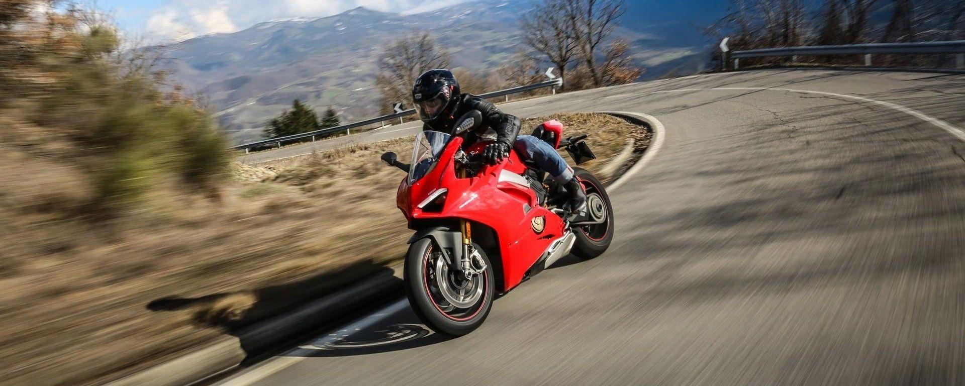 Ducati Panigale V4 migliore moto dell'anno secondo Autotrader