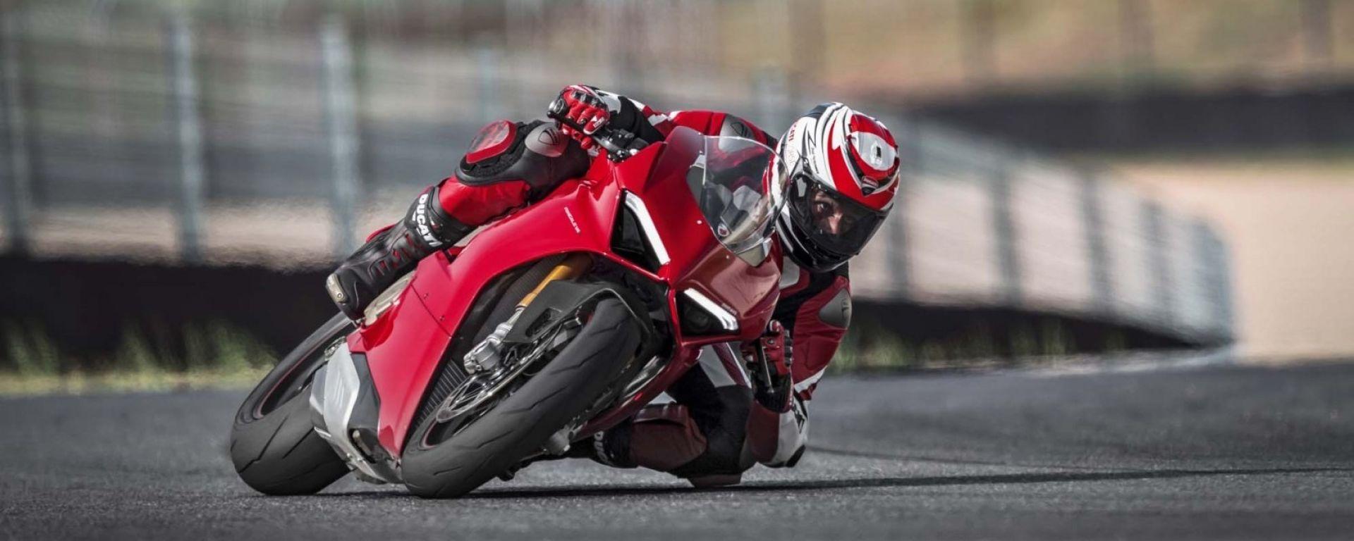 Ducati Panigale V4: prime consegne, ritardi e incidenti