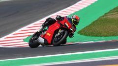 Ducati Panigale V4S 2021: le opinioni dopo la prova in pista (video)