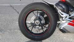 Ducati Panigale V4s: dettaglio del cerchio Marchesini forgiato
