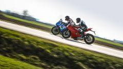 Ducati Panigale V4s e Suzuki GSX-R1000R a confronto su strada