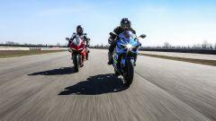 Ducati Panigale V4s e Suzuki GSX-R1000R testa a testa