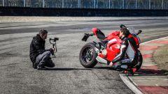 Ducati Panigale V4s vs Suzuki GSX-R1000R: dietro le quinte