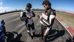 Ducati Panigale V4s vs Suzuki GSX-R1000R: tester a tester