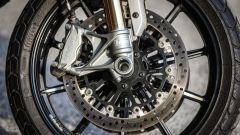 Ducati Scrambler 1100 Sport: il doppio disco anteriore con pinze Brembo