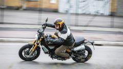 Ducati Scrambler 1100 Sport in azione