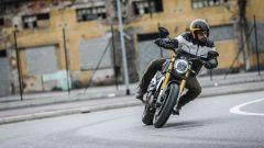 Ducati Scrambler 1100 Sport: in città il motore scalda parecchio