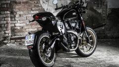 Ducati Scrambler Café Racer, la vista di tre quarti posteriore