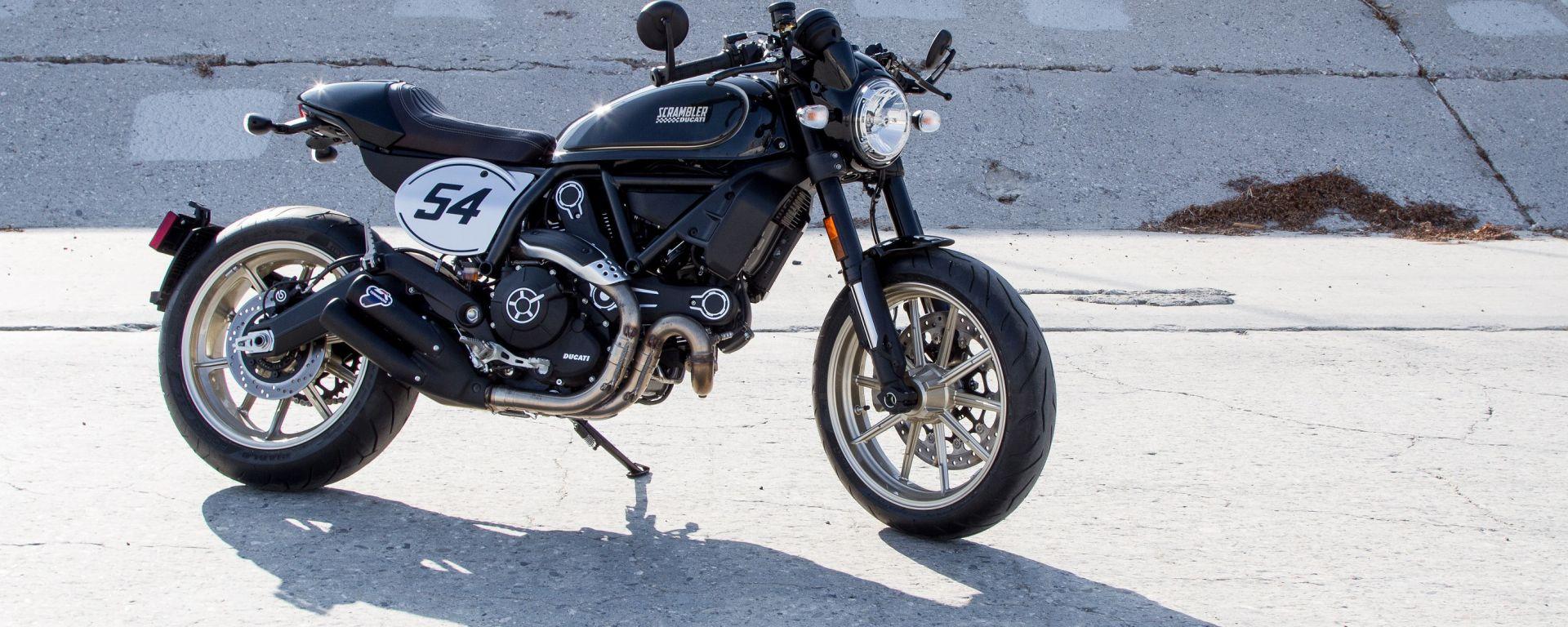 Ducati Scrambler Café Racer nera