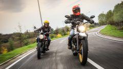 Ducati Scrambler Desert Sled e Triumph Street Scrambler, su asfalto è una bella lotta