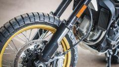 Ducati Scrambler Desert Sled, forcella a steli rovesciati da 46 mm