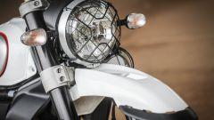 Ducati Scrambler Desert Sled, il parafango anteriore fa tanto Anni '80