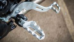 Ducati Scrambler Desert Sled, pedane in modalità offroad