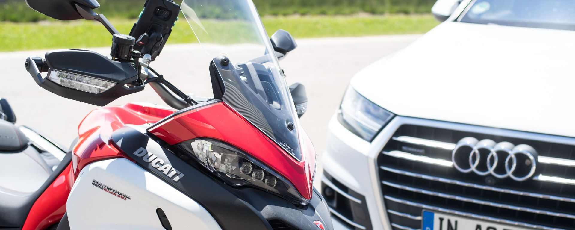 Ducati: auto e moto comunicheranno tra loro