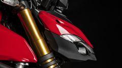 Ducati Streetfighter V4, faccia da Joker e potenza esagerata - Immagine: 14
