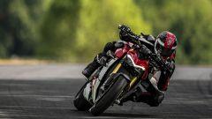 Ducati Streetfighter V4, faccia da Joker e potenza esagerata - Immagine: 20